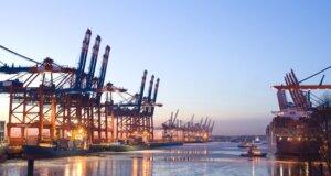 """Chinesischer Containerriese """"Indian Ocean"""" ist wieder frei"""
