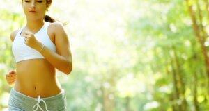 Work-out in der Natur – Für diese Fitnessübungen brauchen Sie nur den Wald