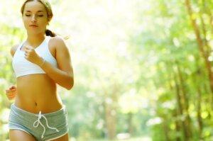 Wald-Work-out – Für diese Fitnessübungen braucht man nur die Natur