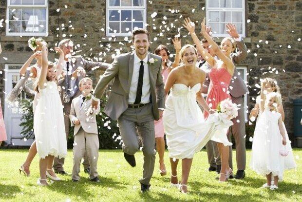 Hochsaison der Hochzeiten: Outfits für gut gestylte Gäste