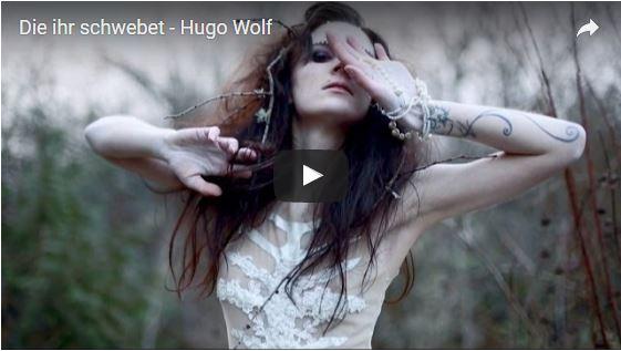 Mystisch, klangvoll und poetisch: Das Debütalbum von Oxana Walitzki
