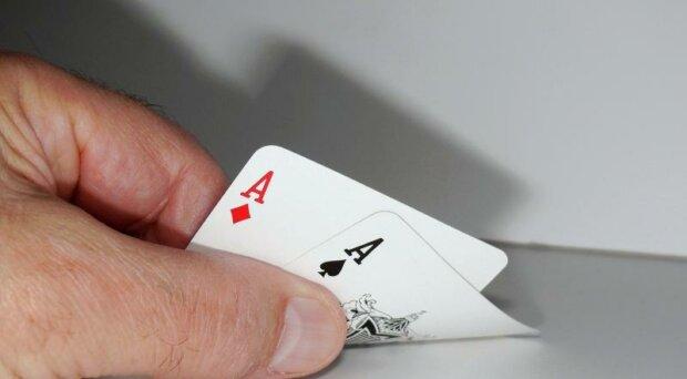 Glücksspiel-Ratgeber: So gewinnt man ein Pokerturnier
