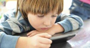 Internetsucht bei Kindern: Wann Smartphone und PC zur Gefahr werden