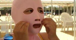 """""""Facekinis"""" sind der neueste Strandtrend aus China"""