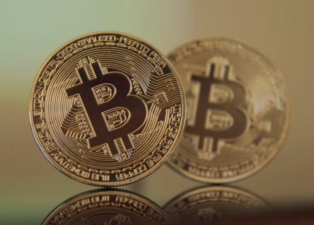 Bitcoin-Boom: Kurs steigt auf über 7.000 Dollar an