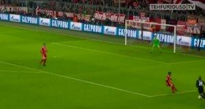 Der FC Bayern München schlägt Paris Saint-Germain
