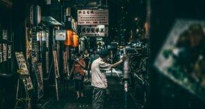 Familienzusammenführung: Filmstar Anthony Wong findet seine Brüder